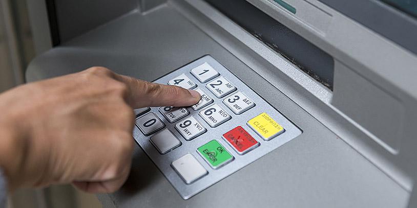 Así deberán informar los bancos el paquete de productos o servicios sin costo adicional